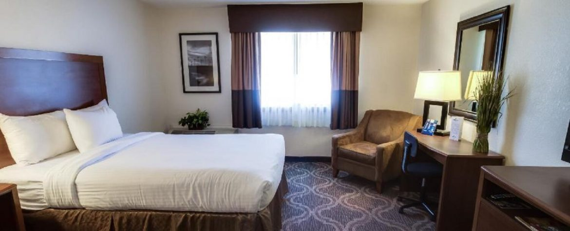 Standard Room with Two Double Queen Beds